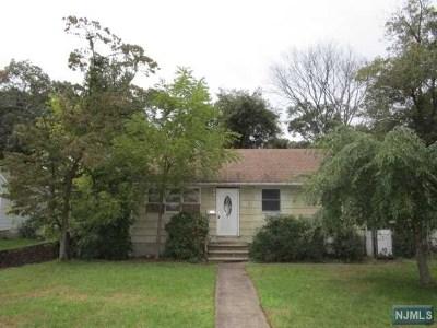 Pompton Lakes Single Family Home For Sale: 130 Albany Avenue