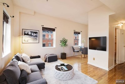 Jersey City NJ Condo/Townhouse For Sale: $489,000