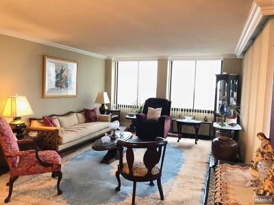 Cliffside Park Condo/Townhouse For Sale: 200 Winston Drive #2220
