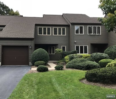 Bergen County Condo/Townhouse For Sale: 6 Indian Field Court