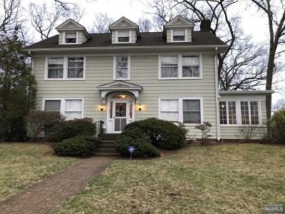 Ridgewood Single Family Home For Sale: 203 Sunset Avenue
