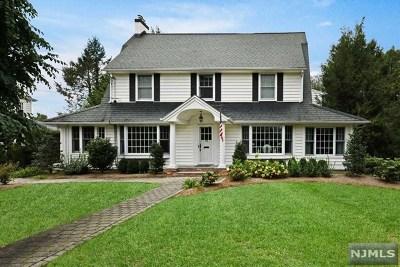 Ridgewood Single Family Home For Sale: 146 North Van Dien Avenue