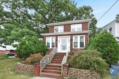 Bergen County Single Family Home For Sale: 630 Bergen Boulevard