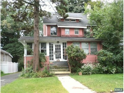 Teaneck Single Family Home For Sale: 34 Garden Street