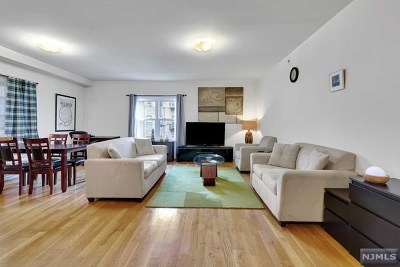 West New York Condo/Townhouse For Sale: 5501 Hudson Avenue #3c