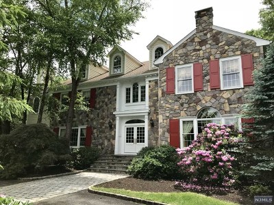 Mahwah Single Family Home For Sale: 27 Trotters Lane