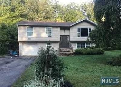 Ringwood Single Family Home For Sale: 42 Roger Court