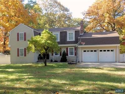 Hawthorne Single Family Home For Sale: 12 Highcrest Drive