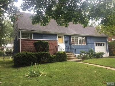 Teaneck Single Family Home For Sale: 18 Walnut Street