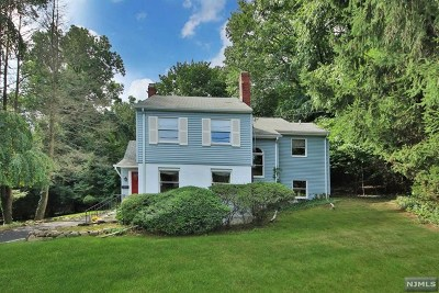 Oradell Single Family Home For Sale: 837 Soldier Hill Road