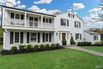 Morris County Single Family Home For Sale: 2 Cross Gates Road