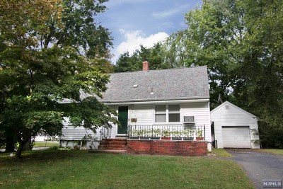 Ridgewood Single Family Home For Sale: 419 Berkshire Road