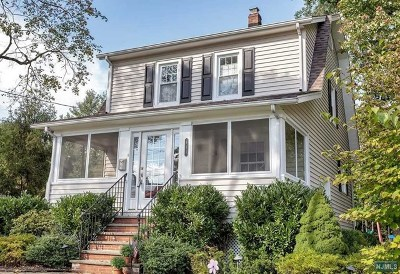 Ridgewood Single Family Home For Sale: 611 Albert Place