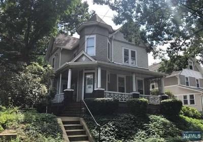 Ridgewood Condo/Townhouse For Sale: 149 Woodside Avenue #B