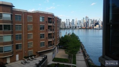 West New York Condo/Townhouse For Sale: 22 Ave At Port Imperial #432