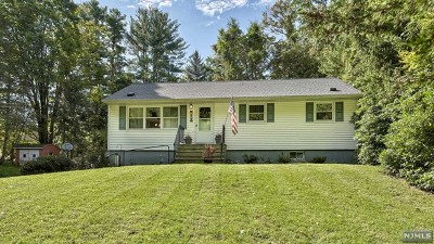 West Milford Single Family Home For Sale: 457 Ridge Road