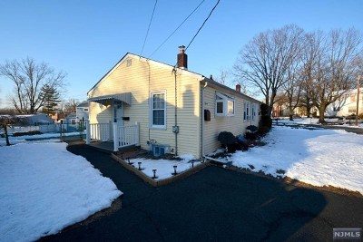 Elmwood Park NJ Single Family Home For Sale: $224,900