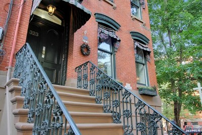 Jersey City Condo/Townhouse For Sale: 323 Varick Street #2