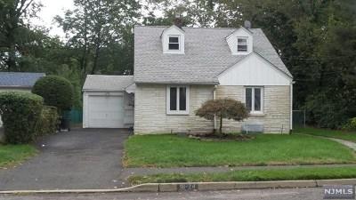 Fair Lawn Single Family Home For Sale: 16-24 Split Rock Road