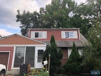 Bergenfield Single Family Home For Sale: 162 East Johnson Avenue