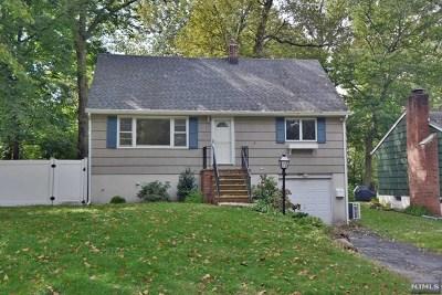 Oakland Single Family Home For Sale: 68 Walnut Street