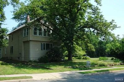 Midland Park Single Family Home For Sale: 48 Sicomac Avenue