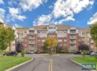 Wanaque Condo/Townhouse For Sale: 8406 Warrens Way