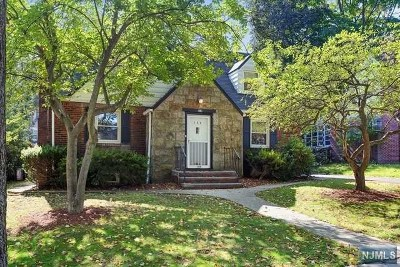 Teaneck Single Family Home For Sale: 104 Midwood Road