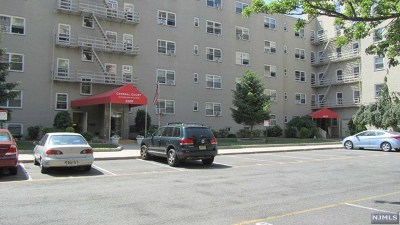 Fort Lee Condo/Townhouse For Sale: 2215 North Central Road #3h