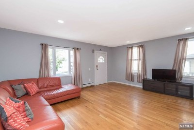 Union City Single Family Home For Sale: 507 6th Street