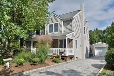 Ridgewood Single Family Home For Sale: 369 Westfield Avenue