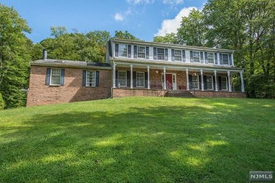 West Milford Single Family Home For Sale: 330 Morsetown Road