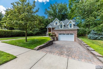 Tenafly Single Family Home For Sale: 141 Columbus Drive