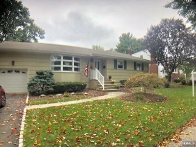 Oradell Single Family Home For Sale: 780 East Howard Court