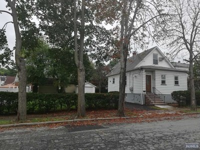 Saddle Brook Single Family Home For Sale: 344 7th Street