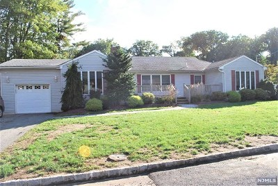 Little Falls Single Family Home For Sale: 8 Morningside Circle