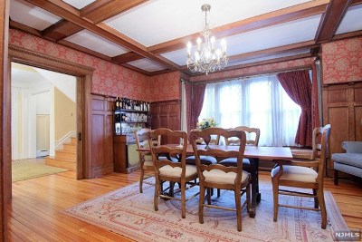 Cliffside Park Single Family Home For Sale: 32 Lincoln Avenue