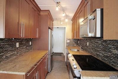 Cliffside Park Condo/Townhouse For Sale: 555 Gorge Road #5c