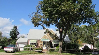 Fair Lawn Single Family Home For Sale: 37-21 Ferry Heights