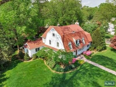 Ridgewood Single Family Home For Sale: 81 Avondale Road