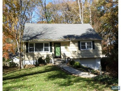 Ringwood Single Family Home For Sale: 5 Woodland Road