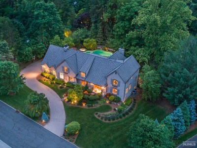Franklin Lakes Single Family Home For Sale: 101 Evergreen Court