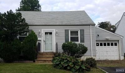 Hackensack Single Family Home For Sale: 472 Simons Avenue