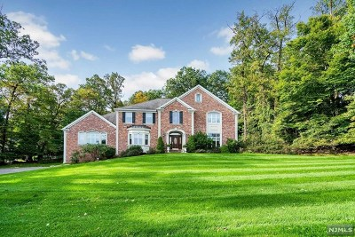 Franklin Lakes Single Family Home For Sale: 828 Phelps Road