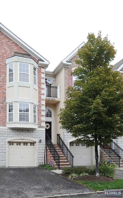 Secaucus Condo/Townhouse For Sale: 93 Osprey Court