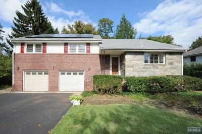 Ridgewood Single Family Home For Sale: 235 Burnside Place