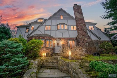 Ridgewood Single Family Home For Sale: 18 North Hillside Place