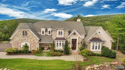 Mahwah Single Family Home For Sale: 10 Weathervane Way