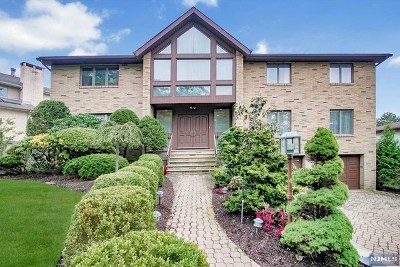 Englewood Cliffs Single Family Home For Sale: 309 Bolz Street