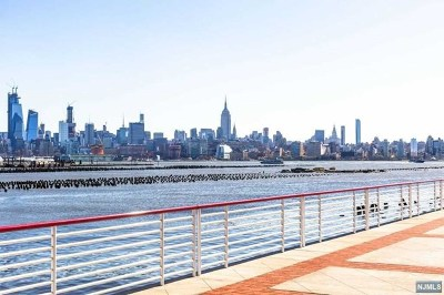 Jersey City Condo/Townhouse For Sale: 20 Newport Parkway #1512